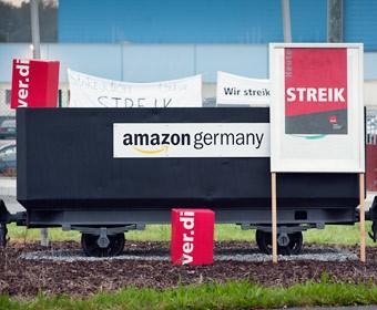 Amazon-Mitarbeiter aus Werne und Rheinberg solidarisch beim Streik. Foto Dietrich Hackenberg