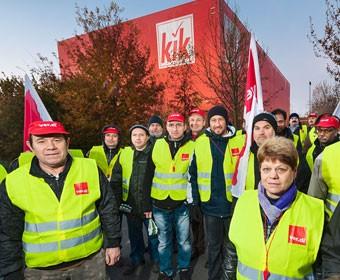 Streik KIK-Zentrallager. Foto Dietrich Hackenberg
