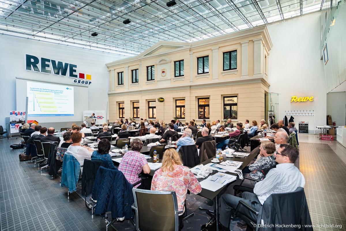 Fachhearing Gesundheitsmanagement und Gesunde Arbeit im Einzelhandel - des REWE Prüfungsverband e.V. . Foto Dietrich Hackenberg