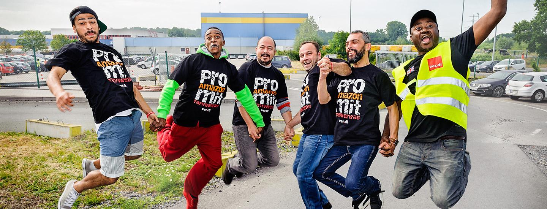 Springen für den Tarifvertrag - Amazon Werne. Foto Dietrich Hackenberg