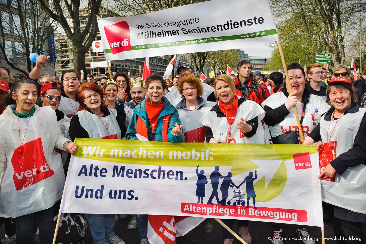 Mülheimer Seniorendienste. verdi Streikveranstaltung Öffentlicher Dienst, Dortmund am 10.04.2018. Foto Dietrich Hackenberg