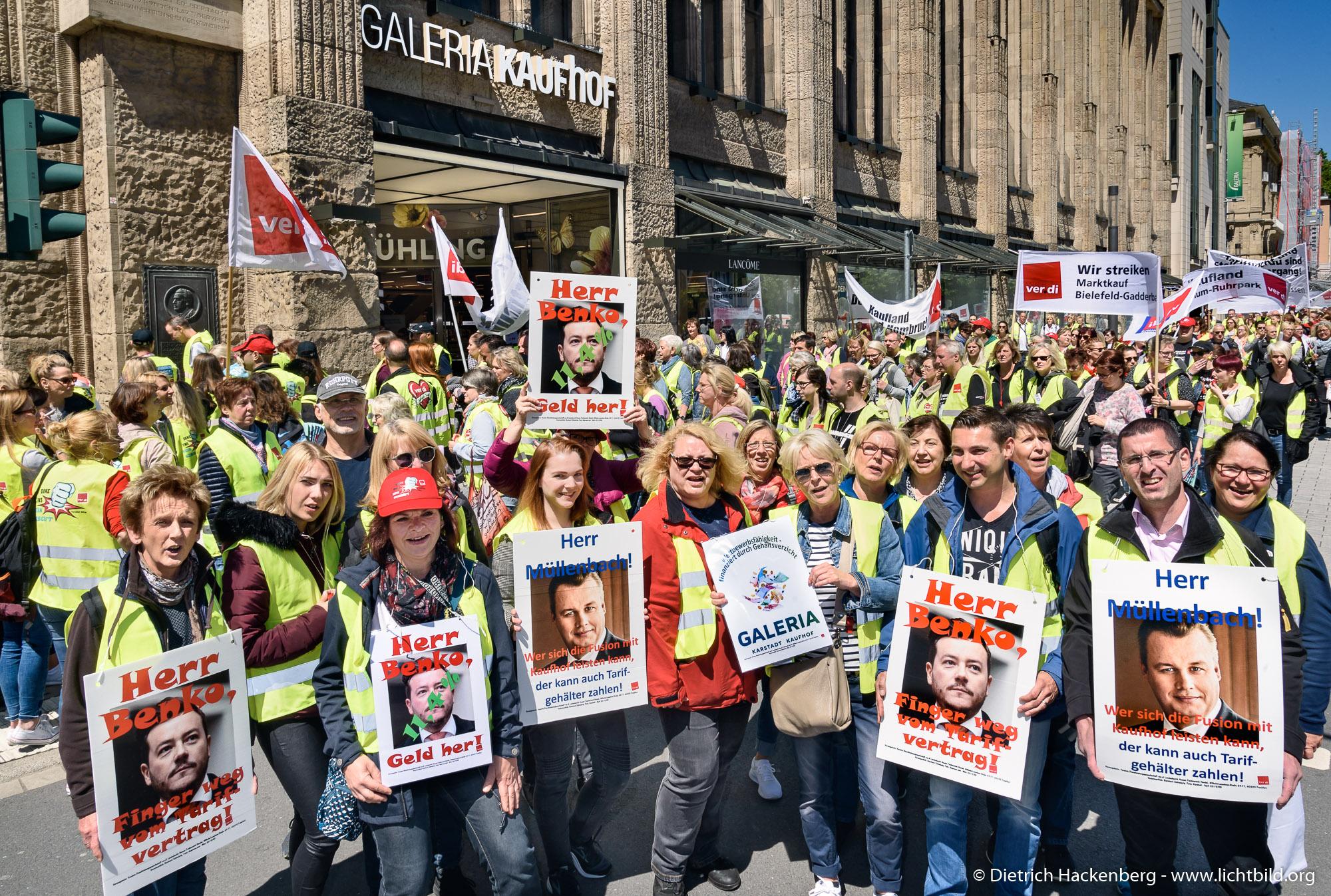 verdi Handel zentrale Streikveranstaltung im Hofgarten Düsseldorf am 29.05.2019. Foto dietrich Hackenberg