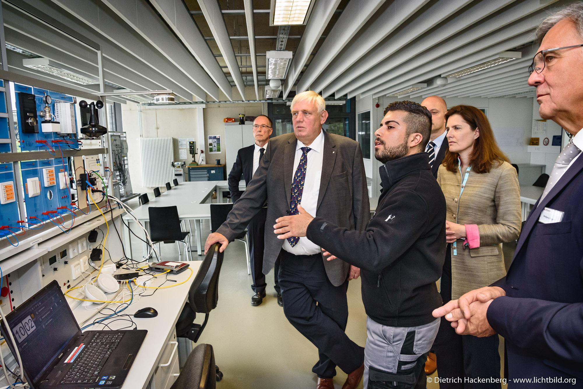 Digitalisierungstour von Arbeitsminister Laumann. Foto © Dietrich Hackenberg