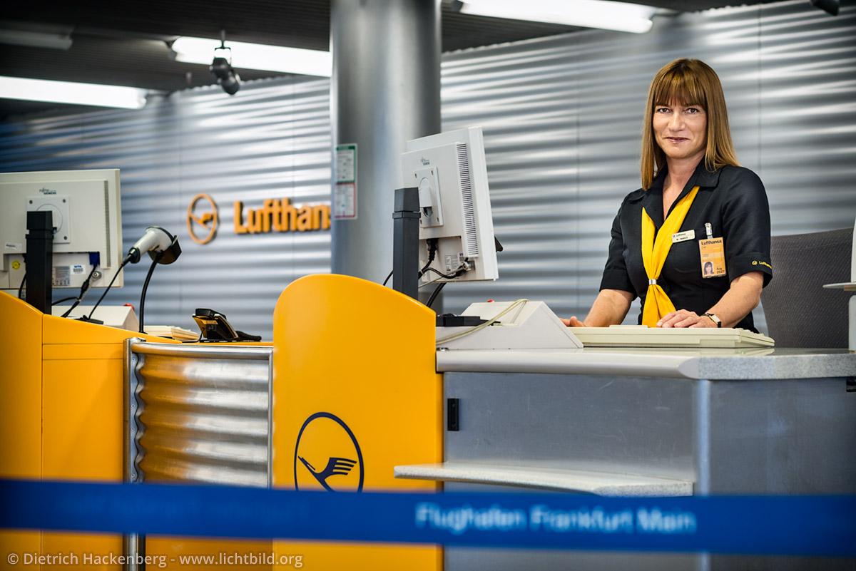Verdi Lufthansa - Checkin-Schalter Flughafen Frankfurt am Main. Foto © Dietrich Hackenberg