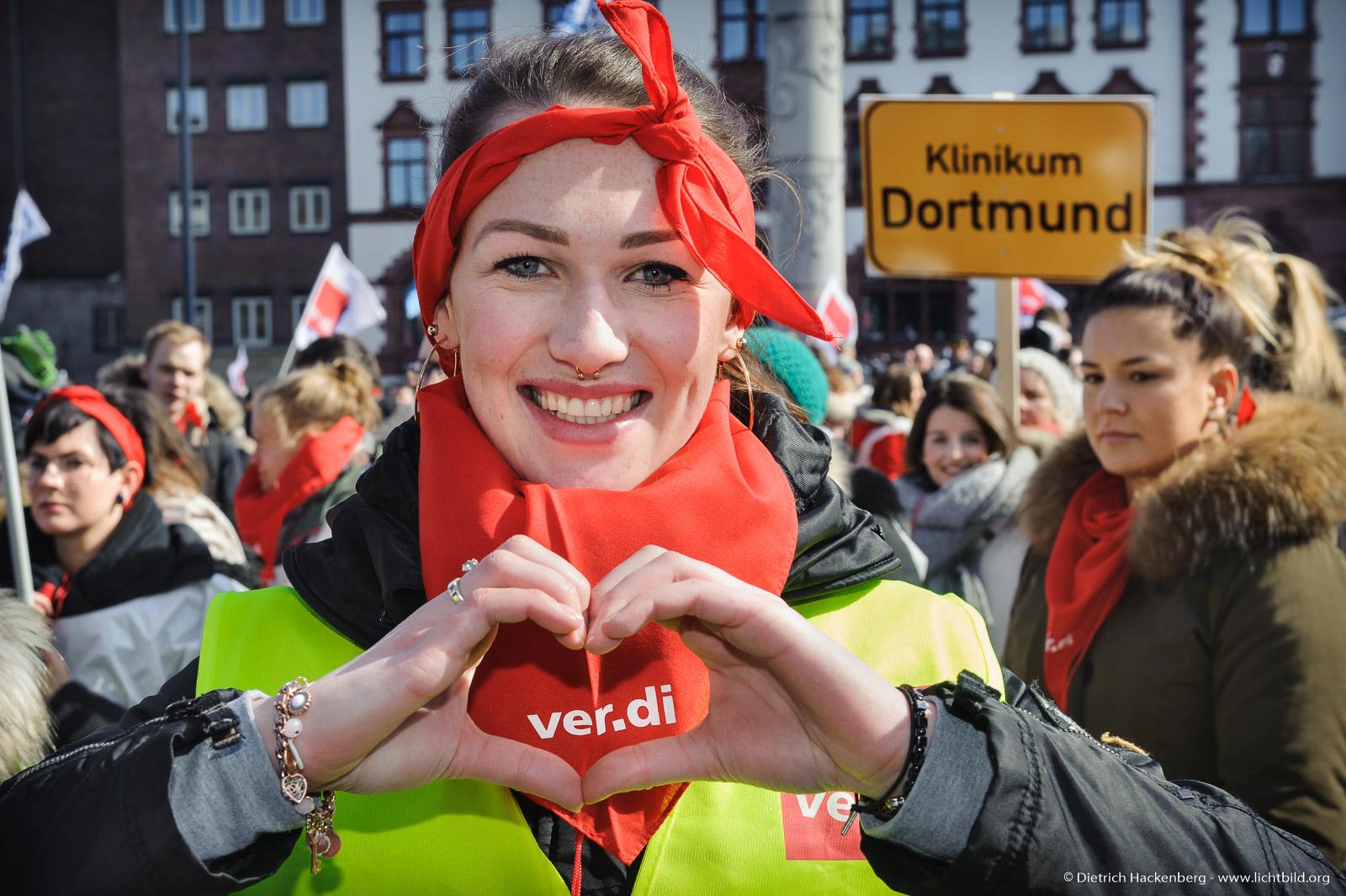 verdi Jugend Dortmund Friedensplatz beim Warnstreik des öffentlichen Dienstes am 20.03.2018 - Foto © Dietrich Hackenberg