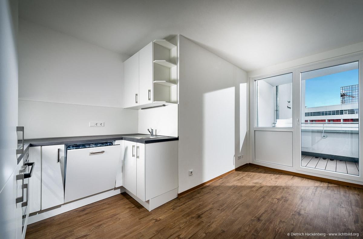 Küche, Mietwohnung Dortmund. Foto © Dietrich Hackenberg