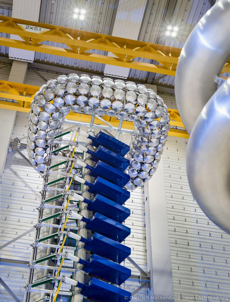 Impulsgenerators im HGÜ Testzentrum der TU Dortmund. Foto Dietrich Hackenberg - © MWIDE NRW/D. Hackenberg