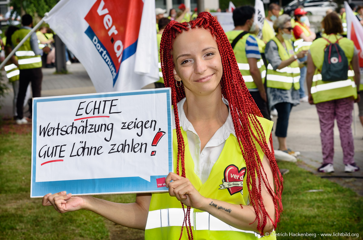 ver.di Handel Streikveranstaltung in Recklinghausen - Bildungszentrum des Handels. Foto Dietrich Hackenberg