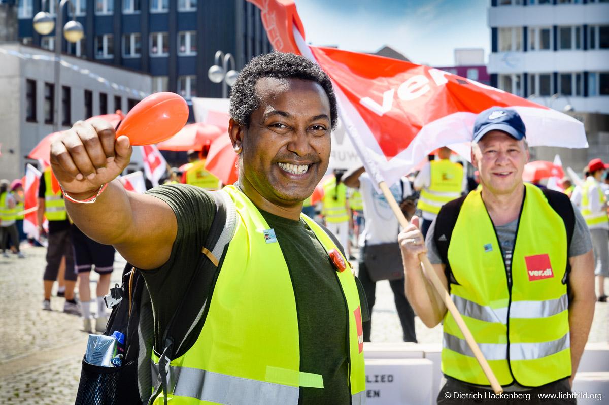 ver.di NRW Streikveranstaltung Großhandel in Bochum am 17.06.21. Foto Dietrich Hackenberg
