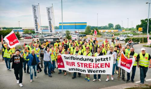 Amazon Werne Streik am 26.06.2015. Foto © Dietrich Hackenberg