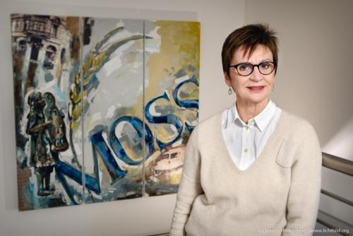 """Silvia Moss, Inhaberin Bäckerei Moss in Aachen. NRW Landesprogramm """"Teilzeitberufsausbildung"""". Foto Dietrich Hackenberg – www.lichtbild.org"""