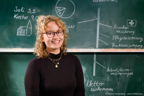 Stützlehrerin - Berufsförderungswerk Köln. Foto © Dietrich Hackenberg