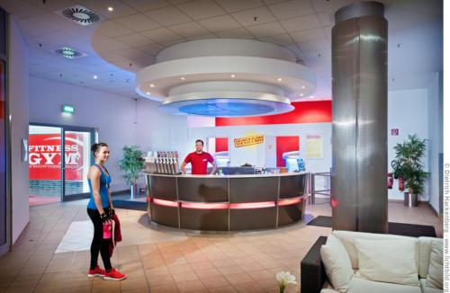 Fitness GYM - Eingangsbereich. Foto © Dietrich Hackenberg