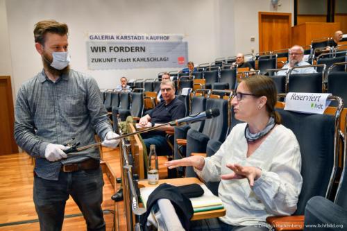 verdi Handel NRW Betriebsräte-Versammlung Essen zur Schließung der Galeria Karstadt Kaufhof Filialen. Foto © Dietrich Hackenberg