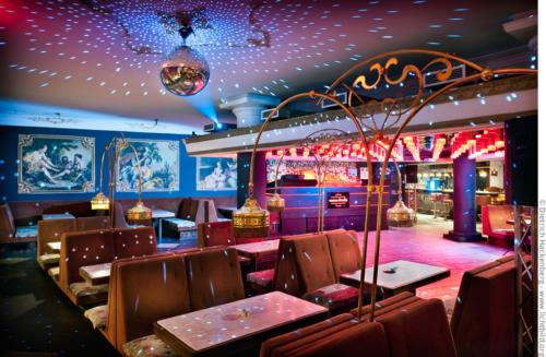 Historisch moderner Tanzcafe-Mix. Foto © Dietrich Hackenberg