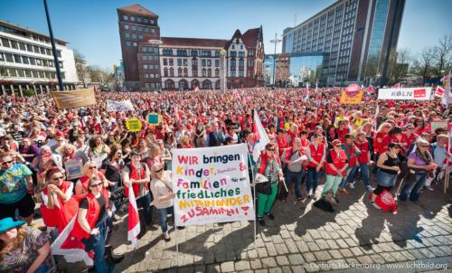 Zentrale verdi Streikveranstaltung Dortmund - Soziale Berufe aufwerten. Foto © Dietrich Hackenberg, www.lichtbild.org