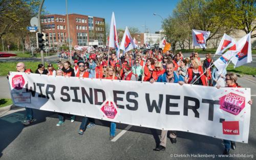 Zentrale Streikveranstaltung in Dortmund Soziale Berufe Aufwerten. © Dietrich Hackenberg - www.lichtbild.org