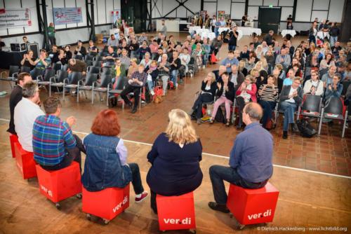 Talkrunde mit Aktiven aus der Tarifrunde. ver.di Handel NRW Streikkonferenz am 13.09.2019 in der Maschinenhalle der Zeche Zollern in Dortmund. Foto © Dietrich Hackenberg