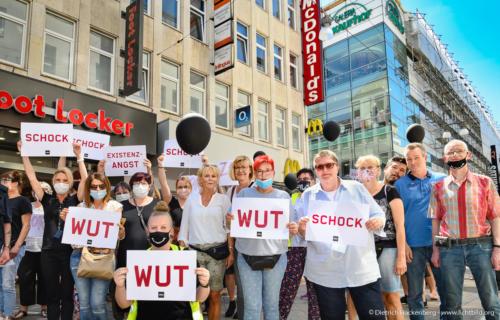 Wut, Schock, Existenzangst - verdi Handel NRW Demonstration gegen Schließung der Karstadt-Kaufhof Filialen in Dortmund - Foto © Dietrich Hackenberg