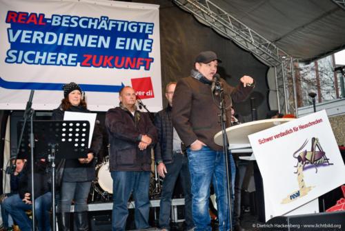 real-Kundgebung vor der Metro-Zentrale in Düsseldorf am 26.11.2018. Foto © Dietrich Hackenberg