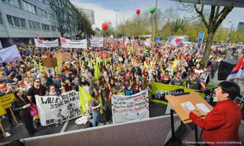 Gabriele Schmidt NRW-Landesleiterin. Streikveranstaltung Öffentlicher Dienst, Dortmund am 10.04.2018. Foto Dietrich Hackenberg