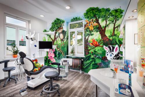 Behandlungszimmer für Kinder, Zahnarztpraxis Markwardt Gera. Foto Dietrich Hackenberg